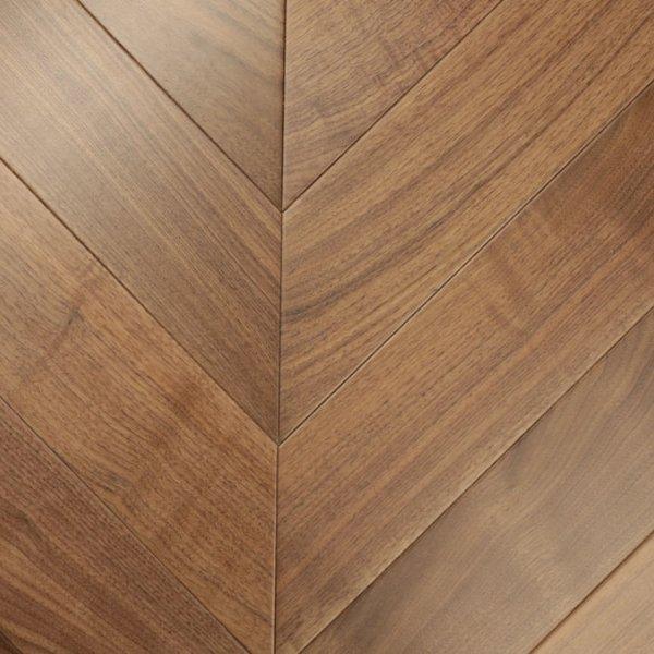 Инженерная доска Французская елочка Орех американский от HM Flooring